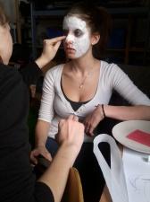 Herstellung der Masken/Foto: Jella Jost