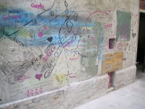 Graffiti auf den Wänden in Soho