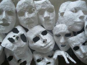 Ausstellung Soho / Der Masken-Bulk